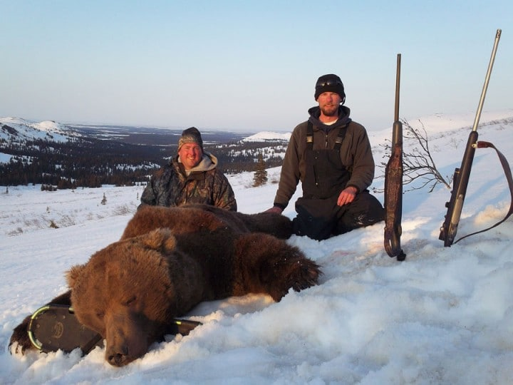 Arctic North Guides Western Alaska Bear hunts.